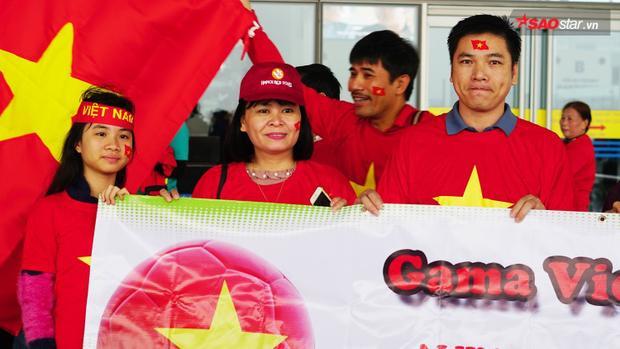 Ai cũng phấn khởi khi đội tuyển Việt Nam xuất sắc giành tấm vé vào VCK U23.