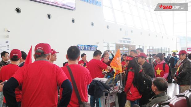 Nhiều công ty thuê riêng cả chuyến bay sang Trung Quốc cổ vũ U23 Việt Nam đá chung kết