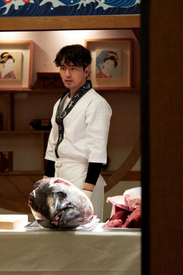 Nam diễn viên Lee Jin Wook trong vai Dokgo Young
