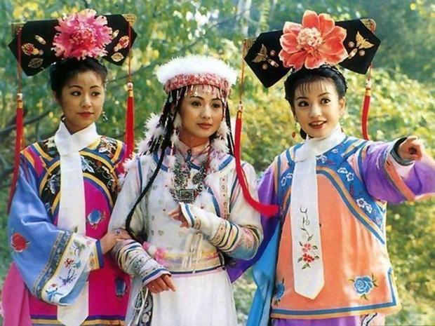 Hoàn Châu Cách Cách - bộ phim truyền hình từng làm mưa làm gió cả Châu Á những năm 1997 - 1999.