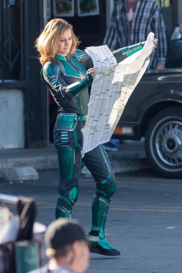 Tại sao trang phục của Captain Marvel Brie Larson lại có màu xanh lá?