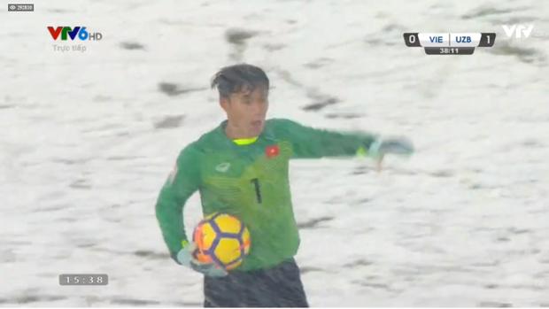 Các cầu thủ Việt Nam vẫn thi đấu hết mình.