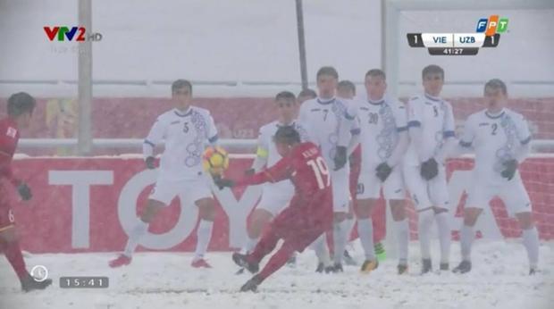 Khoảnh khắc Quang Hải đã sút thủng lưới đội đối thủ