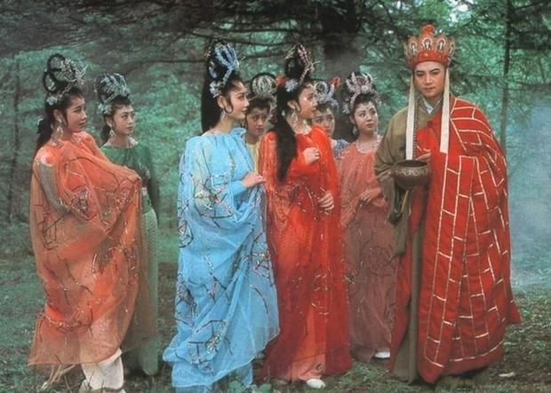 Hình ảnh được ví von chẳng khác gì thầy trò Đường Tăng gặp yêu tinh nhện trong bộ phim Tây du ký.