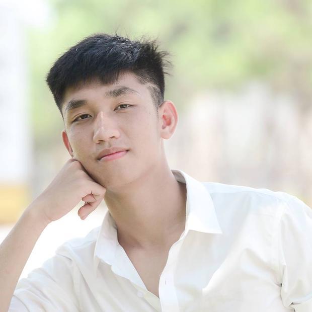 Ngoài sở hữu vóc dáng chuẩn như người mẫu, Trọng Đại còn có gương mặt cực điển trai.
