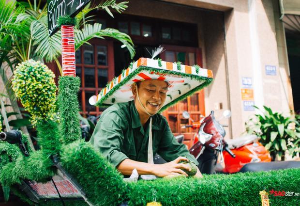 Nụ cười thường trực của người bán hàng dễ thương nhất nhì Sài Gòn.