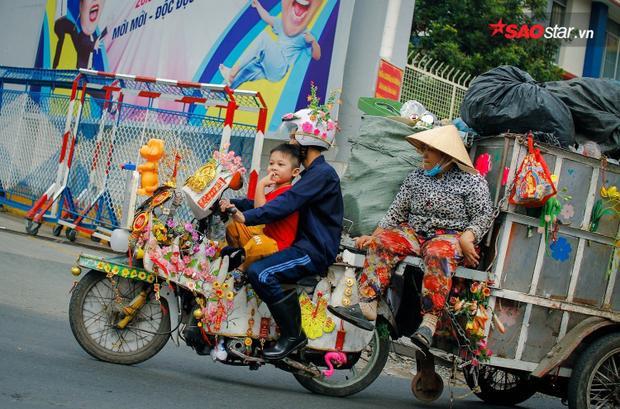 Chiếc xe chở rác của anh Tuấn.