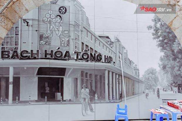 Dự án bích họa phố Phùng Hưngkhi được các họa sĩ Hàn Quốc triển khai tại 19 ô vòm đã nhận được rất nhiều ý kiến khen ngợi của người dân Hà Nội bởi những bức họa đã tái hiện lại cuộc sống, sinh hoạt, văn minh của người dân khá chân thực.