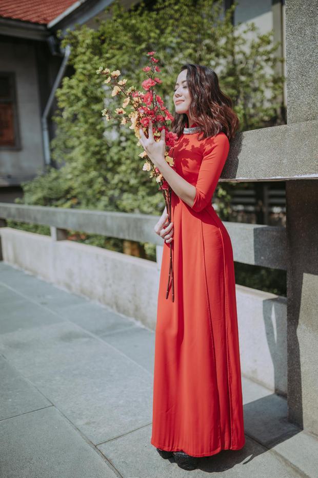 Màu đỏ không chỉ gợi nhắc đến Tết mà còn là màu may mắn. (Ảnh: Nguyễn Văn Dương)