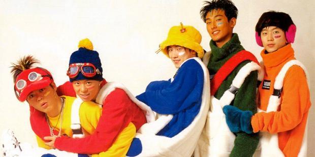 5 thành viên của H.O.T hơn 20 năm về trước, theo thứ tự trái sang phải - Moon Hee Jun, An Tony, Jang Woo Hyuk, Kangta và Lee Jae Won. Ảnh: Fanhot