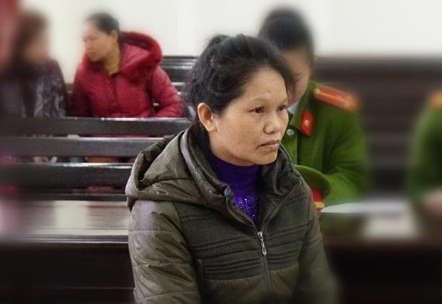 Đối tượng Lương Thị Thủy tại phiên hình sự sơ thẩm.