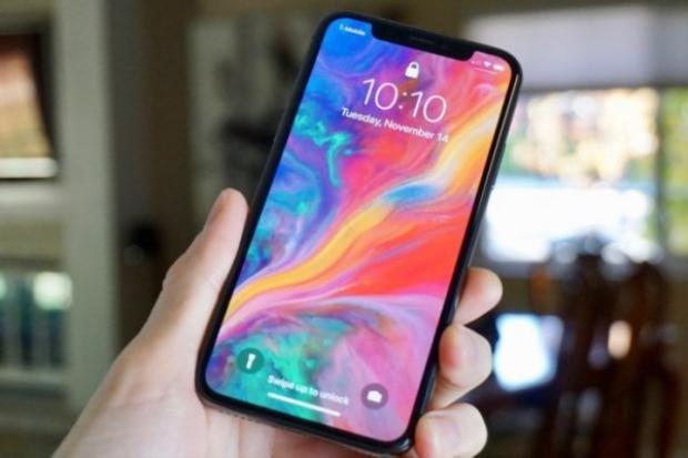 iPhone X được trang bị camera kép ở mặt lưng.