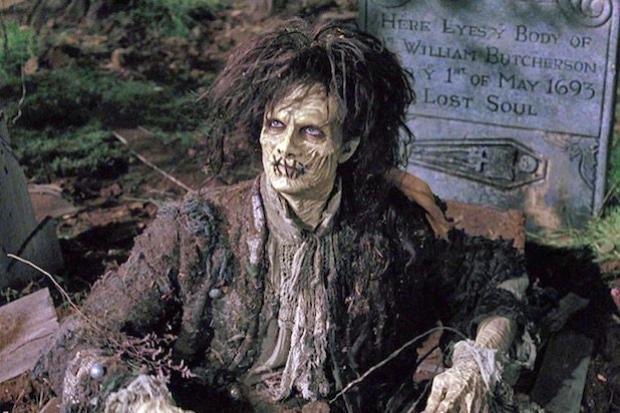 Doug Jones  Thủy quái của The Shape of Water: Người hùng giấu mặt trong các bộ phim bom tấn