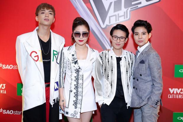 Tiên Cookie còn kiêm cả vai trò là HLV Giọng hát Việt nhí 2017.