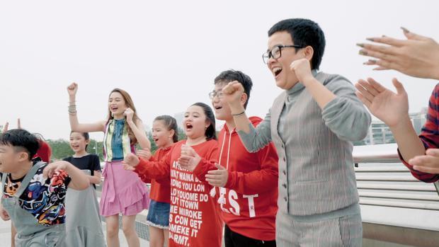 Thiều Bảo Trang bất ngờ kết hợp Vũ Thảo My quậy hết cỡ trong MV đầu năm