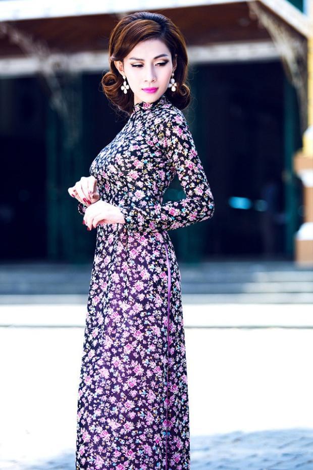 Không phải áo dài Cô Ba Sài Gòn, áo dài hoa mới là kiểu áo dài xinh tươi diện Tết không thể bỏ qua