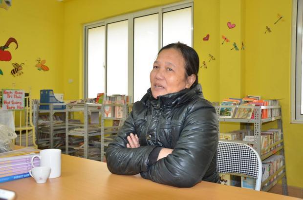 Suốt gần 30 năm qua vợ chồng cô Minh chưa được ăn Tết trọn vẹn, hằng ngày cô chăm sóc cho những đứa trẻ tội nghiệp tại đây.