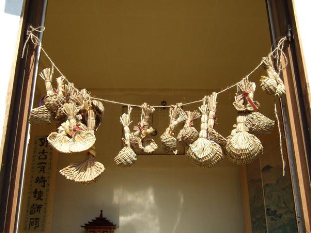 Rửa bát đĩa bằng sữa ngựa hay những phong tục đón Tết kỳ lạ của nhiều nước châu Á