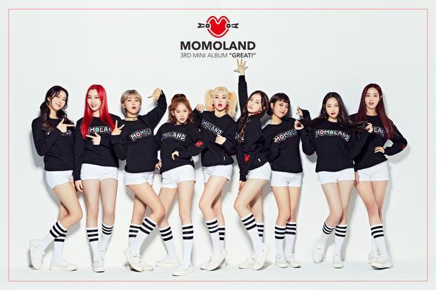 """Tân binh Momoland lần đầu ghi danh vào top 3 khi có """"cú lội ngược dòng"""" cùng ca khúc Bboom Bboom."""