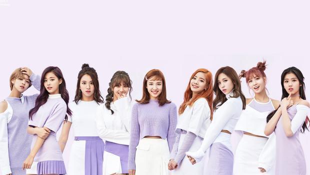 Mặc dù đang tập trung cho thị trường Nhật Bản nhưng TWICE liên tiếp đứng hạng nhất từ tháng 10/2017 cho đến tháng 1/2018 và vừa bị Red Velvet soán ngôi.