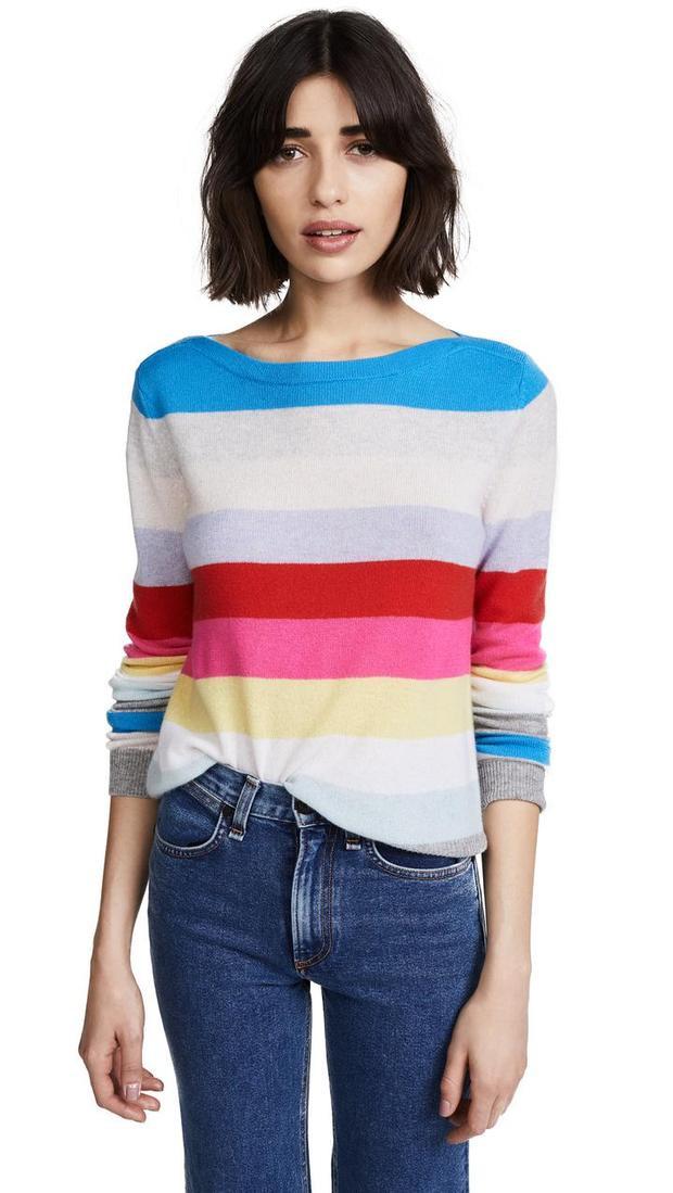 Khác với những item cầu vòng thiên về tone màu trầm thì Shopbop mạnh dạng hơn trong cách phối màu sắc.