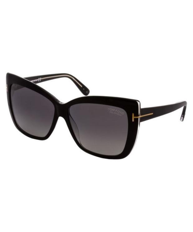 Mắt kính là một trong những món phụ kiện rất được lòng các tín đồ thời trang bởi vẻ thời thượng, cá tính mà nó đem đến.
