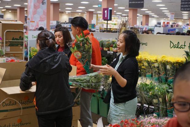 Aeon mall (Long Biên, Hà Nội) là một trong những trung tâm thương mại thu hút người dân Hà Nội đến sắm Tết.