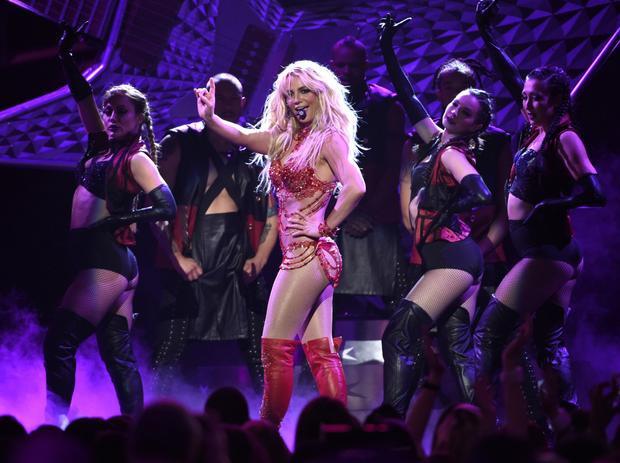 Hàng triệu người hâm mộ đang trông chờ năm hoạt động thứ 20 thực sự bùng nổ của Britney.