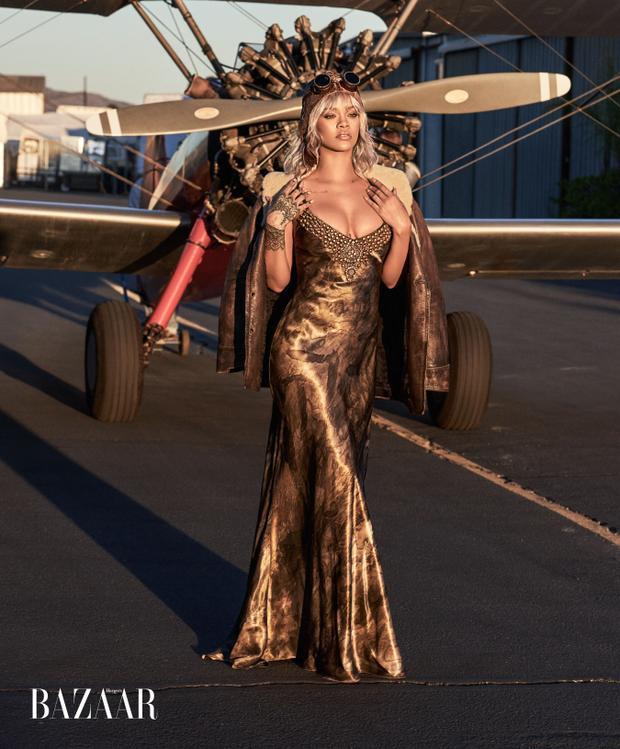 """Chúng tôi muốn nữ ca sĩ Rihanna trở lại chứ không phải là """"nhà thiết kế"""" Fenty!"""