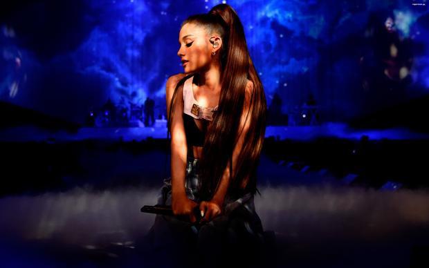 Ariana liệu có còn nhớ lời hứa năm nào với đất nước hình chữ S?