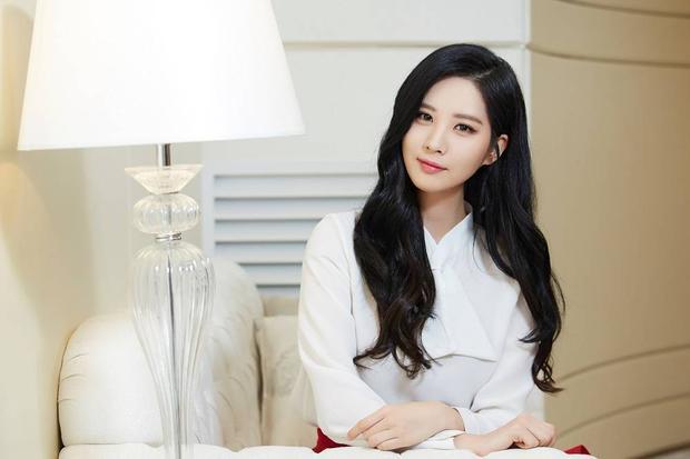 Seohyun đang thỏa thuận hợp đồng quản lý với Fly Up Entertainment.