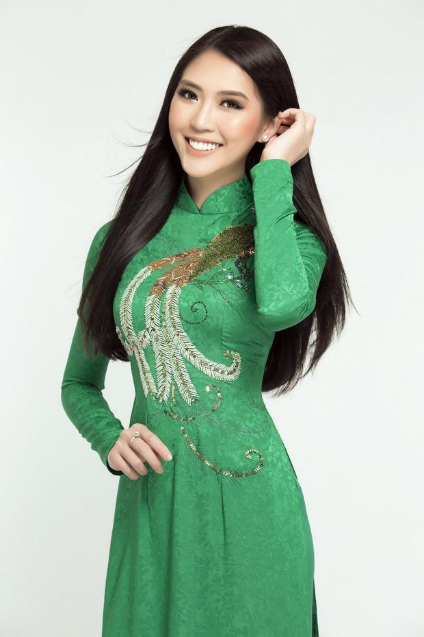 2017 có thể xem là một năm mang lại nhiều thành công cho Tường Linh.Mở màn là thành tích đăng quang cuộc thi Hoa hậu Sắc đẹp châu Á 2017 - Miss Asia Beauty 2017 được tổ chức tại Thái Lan. Sau đó, Tường Linh tham gia chương trình The Face Vietnam. Cô thuộc team Hoàng Thuỳ và xuất sắc vượt qua loạt đối thủ mạnh để giành ngôi á quân chung cuộc.