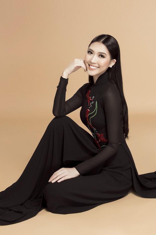 Cuối năm 2017, Tường Linh tiếp tục có mặt tại cuộc thi Hoa hậu Liên lục địa - Miss Intercontinental 2017và giànhgiải Hoa hậu được yêu thích nhất do khán giả khắp thế giới bình chọn. Đồng thời, cô là thí sinh xếp hạng 8 chung cuộc. Điều này cũng đồng nghĩa với việc người đẹp quê Phú Yên là đại diện Việt Nam có thành tích tốt nhất trong lịch sử cuộc thi.