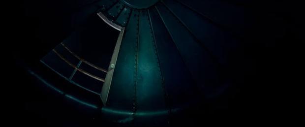 Hay tiếng cửa kẽo kẹt do gió thổi.