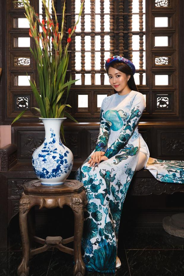 Nữ diễn viên mang đến vẻ đẹp nền nã, e ấp của một người phụ nữ truyền thống.
