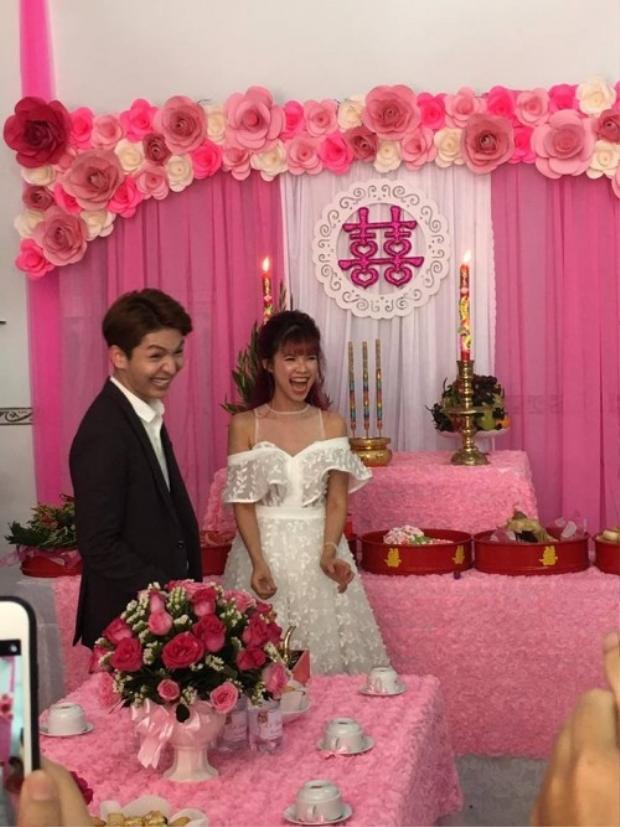"""Không biết cặp vợ chồng """"lầy lội"""" nhất showbiz Việt đã nghe được gì mà cười """"không nhặt được mồm"""" thế này."""