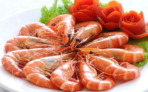 Nhiều người kiêng ăn tôm vào những ngày đầu năm.