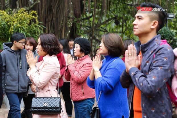 Trong tâm thức người Việt, đi chùa cầu may đầu năm đã trở thành thông lệ.