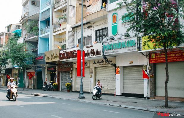 Không ồn ào vội vã, Sài Gòn  Hà Nội được trả lại vẻ yên bình trong ngày mùng 1 Tết