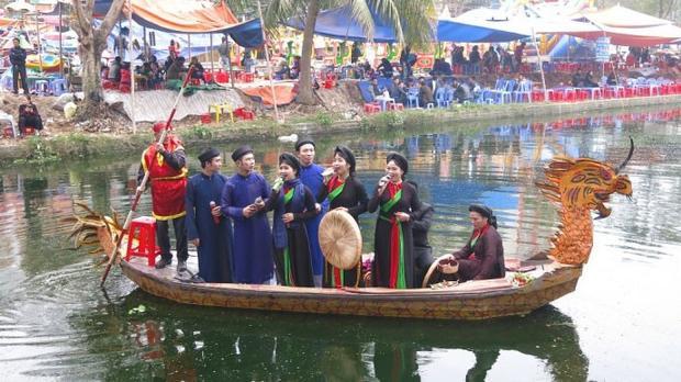 Hội Lim - Lễ hội dân ca quan họ lớn nhất ở miền Bắc.