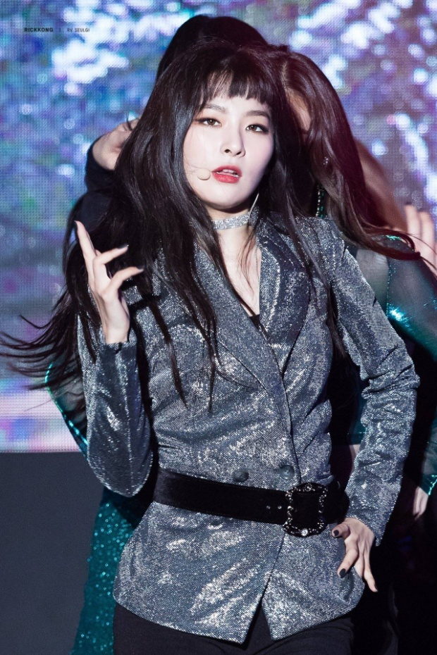 Không thua cô bạn cùng nhóm - Irene, Seulgi cũng ghi tên mình tại hạng 4.