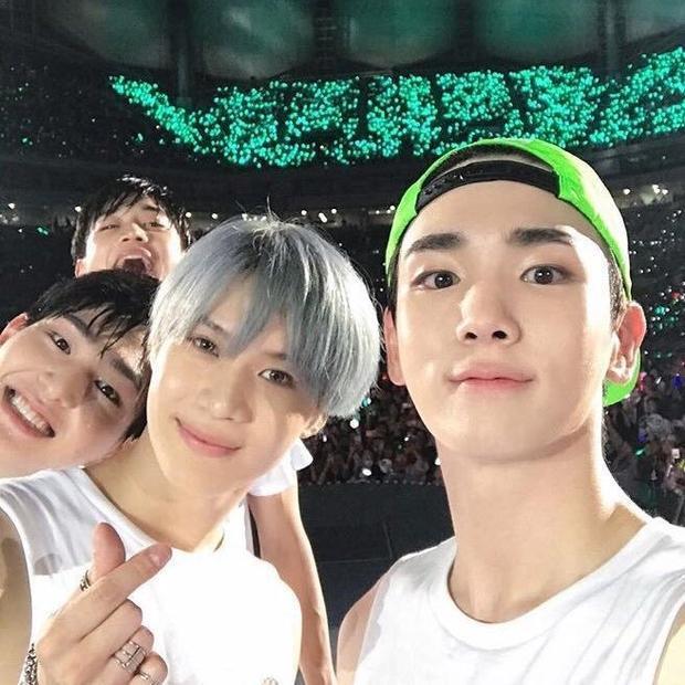 Hy vọng nhóm sẽ giữ nụ cười trên môi, vững chân tiến bước để Jonghyun có thể tự hào!
