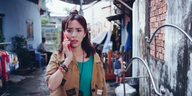 Thu Trang vào vai cô Bảy.