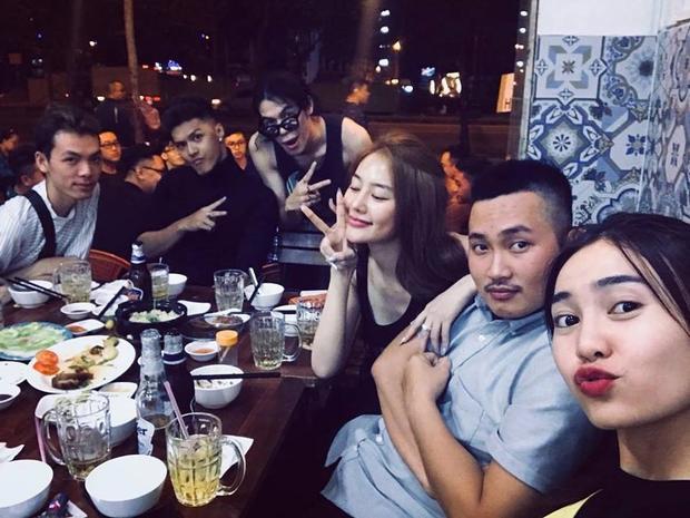 Linh Chi, Lâm Vinh Hải gặp gỡ Ninh Dương Lan Ngọc cùng ê-kíp phim Găng tay đỏ.