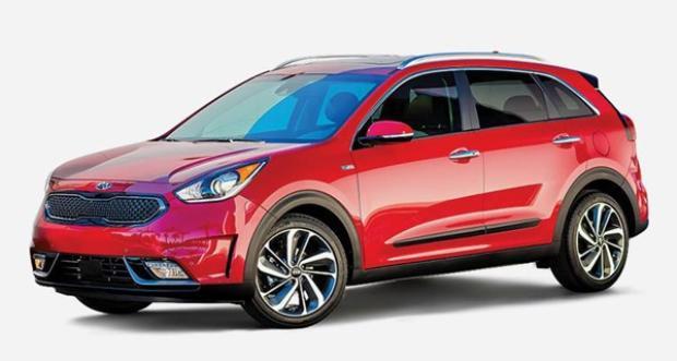 Chiếc xe 6 chỗ Kia Niro EX có thể di chuyển trên chặng đường 43 dặm với mỗi galông xăng tiêu thụ.