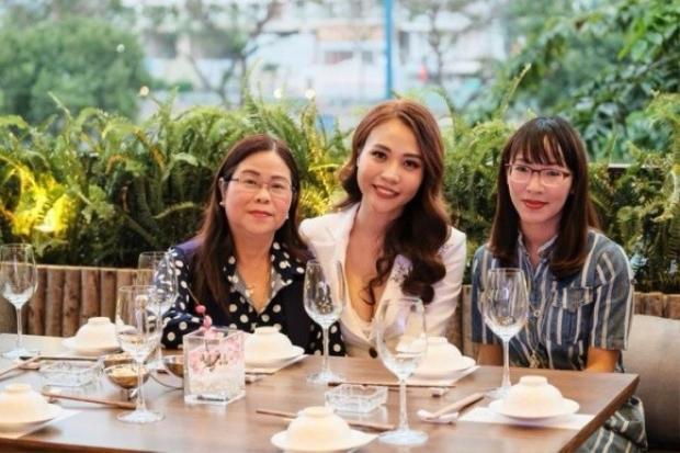 Đàm Thu Trang đưa bạn trai Cường Đô La về ra mắt gia đình dịp đầu năm mới?