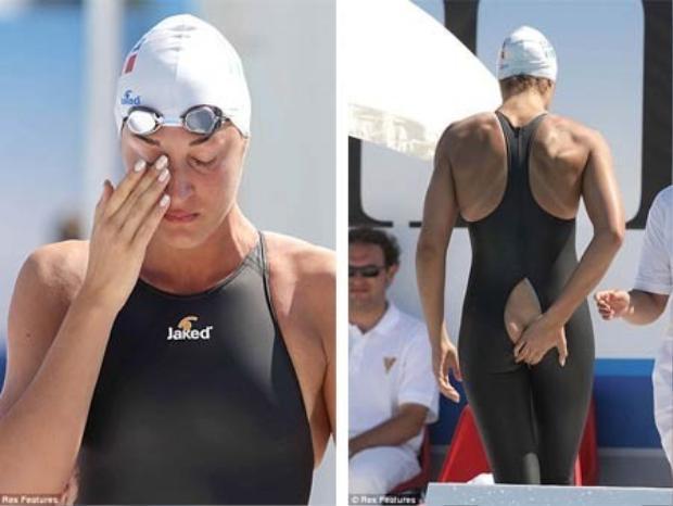 Quá tức giận và xấu sổ, nhà vô địch Olympic đã bật khóc.