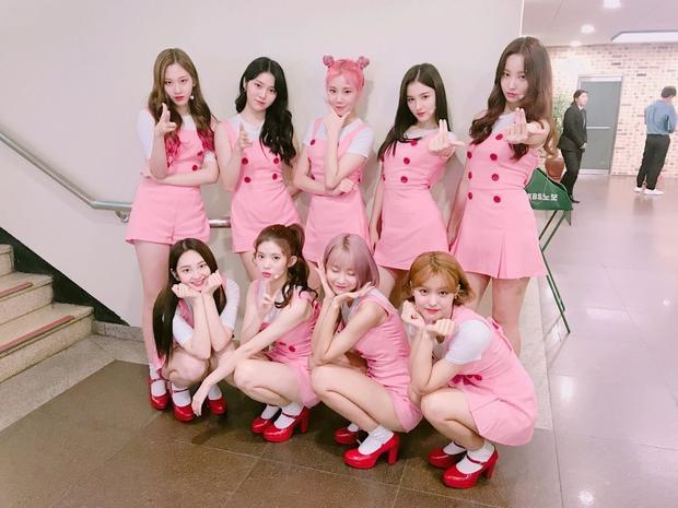 9 cô gái thế này thì biết chọn ai đây.