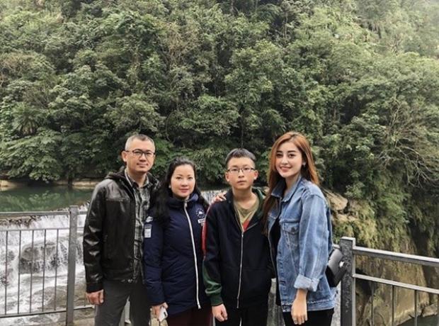 Những đầu năm, Á hậu Huyền My cùng gia đình cũng có chuyến du lịch tại Đài Loan.