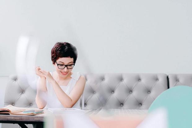 Nữ food blogger cho biết nhà cho biết nhà chồng không để mình phải làm gì một mình bao giờ.